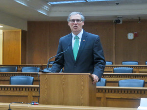 Gov. Jay Inslee addresses reporters at the annual legislative forum sponsored by the Associated Press.