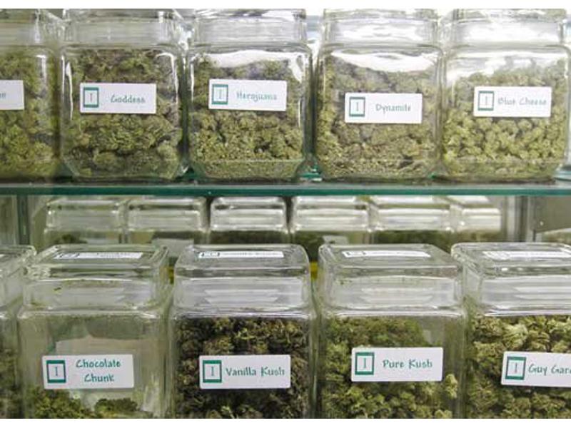 140316 Marijuana selection in Colorado 800x600