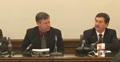 From left: Rep. Matt Manweller. R-Ellensburg, and Sen. Mark Schoesler, R-Ritzville, speak at a regular press conference about issues including a their stance on a carbon tax. (Photo by Erin Fenner.)